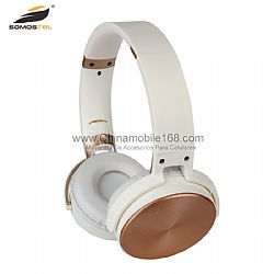 Noise cancelling wireless headset with comfortable earmuffs