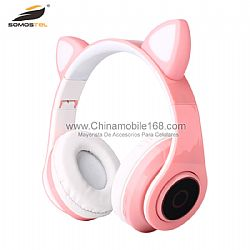 Mayoreo Auriculares LED RGB Cat Ear Incorporada